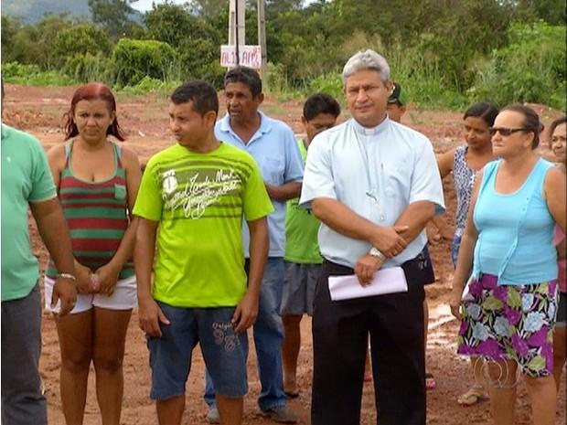 Obra demolida (Foto: Reprodução/TV Anhanguera)