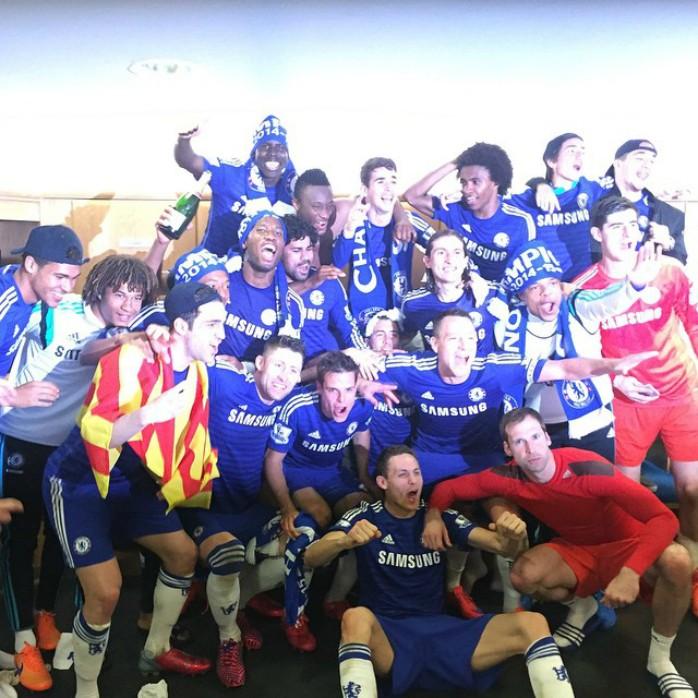 Oscar festa no vestiário Chelsea Campeão