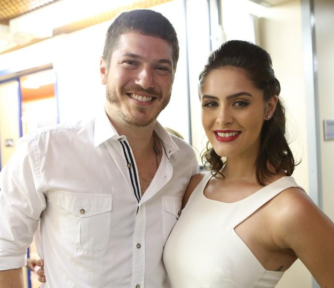Caio Paduan e Elisa Brites prontinhos para as últimas gravações (Foto: Carol Caminha/Gshow)
