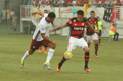 Flamengo x Fluminense Guerrero (Foto: Alexandre Lago/GloboEsporte.com)