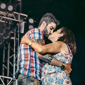 Gusttavo Lima com a mãe, Sebastiana (Foto: Instagram / Reprodução)