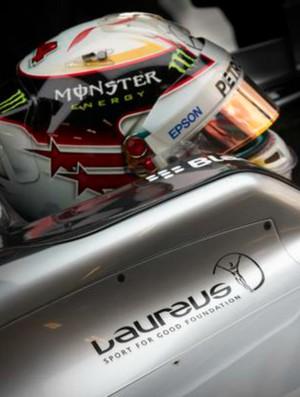 Lewis Hamilton GP da China Segundo treino livre (Foto: Divulgação)