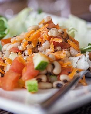 Salada de feijão-fradinho (Foto: Lufe Gomes/Editora Globo)
