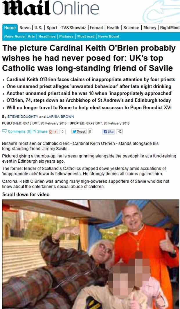 O cardeal britânico Keith O'Brien ao lado de seu amigo Jimmy Savile em foto publicada pelo 'Daily Mail' (Foto: Reprodução)