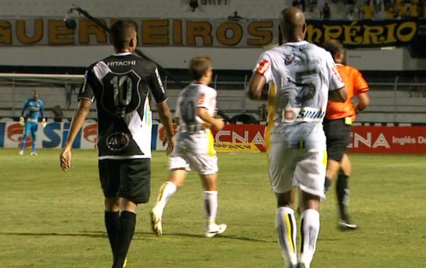 Ponte Preta e São Bernardo empatam por 1 a 1 pelo Campeonato Paulista (Foto: Reprodução / EPTV)