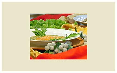Gaspacho Verde Com Salmão e Kani de Tabule