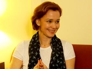 A atriz Júlia Lemmertz está em cartaz com a peça Deus da Carnificina (Foto: Reprodução EPTV)