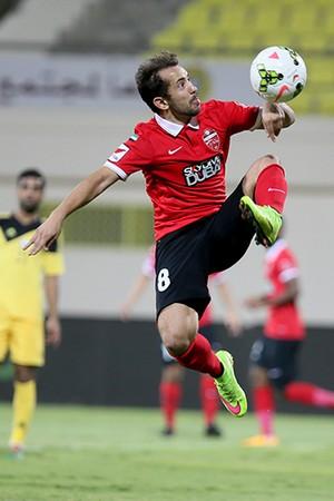Éverton Ribeiro gol acrobático Al Ahli (Foto: Reprodução Site oficial Al Ahli)