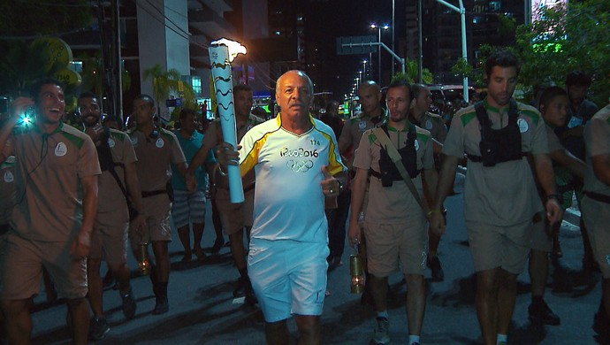 Júnior, tocha (Foto: Reprodução / TV Cabo Branco)