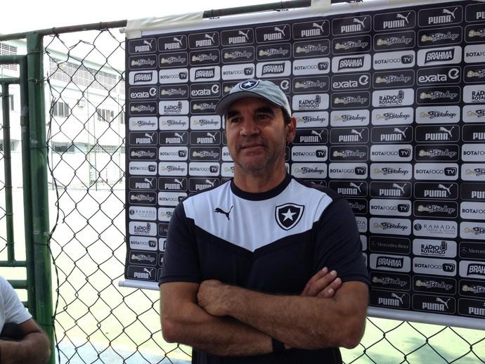 Ricardo Gomes Botafogo Coletiva (Foto: Marcelo Baltar)