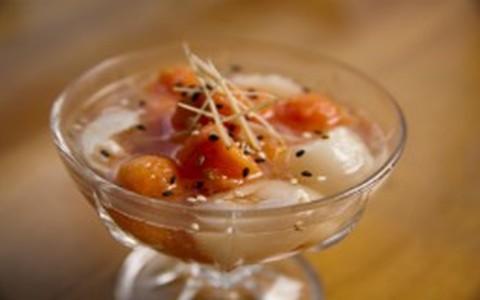 Salada de lichia com papaia