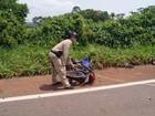 Motociclista morre ao bater de frente com carreta em Pimenta Bueno, RO