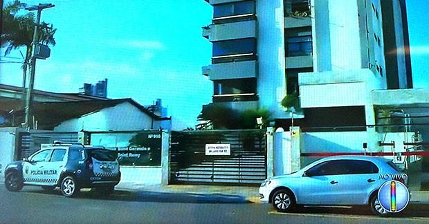 Prédio residencial fica no bairro do Tiro, na Zona Leste de Natal (Foto: Reprodução/Inter TV Cabugi)