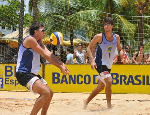 George Wanderley e Pedro Santos, no Brasileiro Sub-19 de Vôlei de Praia (Foto: Divulgação)