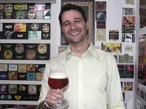 O sommelier Almir Tavares diz que há uma curva no perfil dos consumidores de cerveja (Foto: Taiga Cazarine/G1)