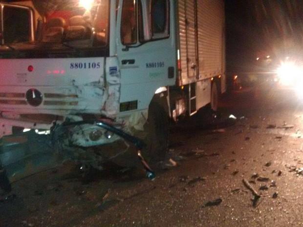 Quatro pessoas morreram no acidente registrado no início da noite de terça-feira (15) (Foto: Luiz Antônio/Divulgação)