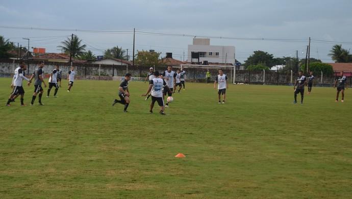 Treino do Botafogo-PB desta terça-feira (21/07/2015) (Foto: Larissa Keren / GloboEsporte.com/pb)