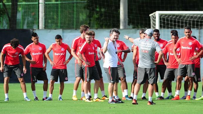 Argel comanda treino do Inter (Foto: Ricardo Duarte / Inter, DVG)