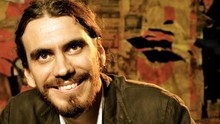 Reveja a entrevista do irreverente  ator e cantor Zéu Britto (Divulgação)