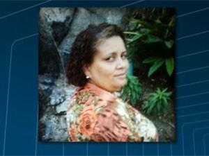 Elizabeth de Moura Francisco foi baleada dentro de casa e não resistiu ao ferimento; a filha dela de 14 anos também foi atingida (Foto: Reprodução / TV Globo)