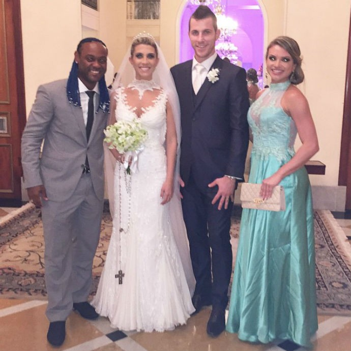 Vagner Love e a noiva Lucilene Pires com Paulo Victor e Priscila (Foto: Reprodução/Instagram)