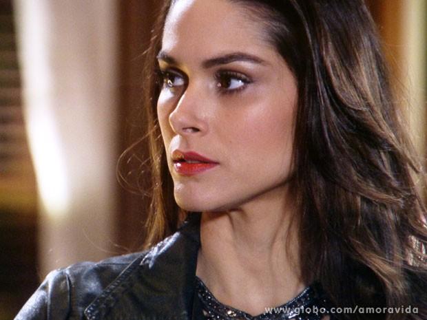 Leila se sente traída diante de Pilar (Foto: Amor à Vida/TV Globo)