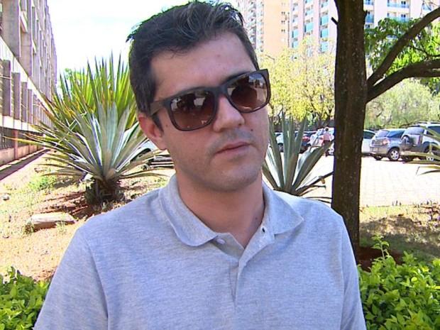 Arthur Paes marques critica depoimentos da família da ex-mulher (Foto: Reprodução/EPTV)