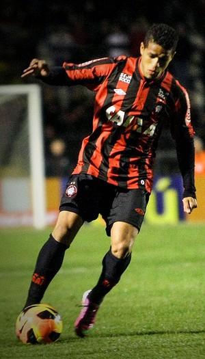 Léo atlético-pr atlético-mg (Foto: Joka Madruga / Agência Estado)