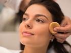 Aprenda a fazer a maquiagem em que o blush é a estrela
