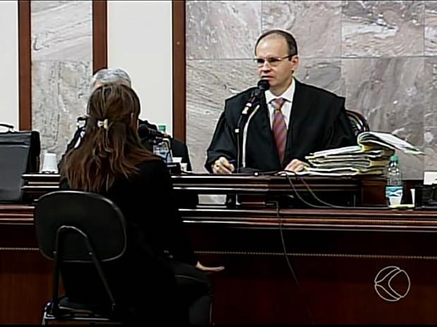 Ex-delegado é condenado a 7 anos por tentar matar a ex em Uberlândia (Foto: Reprodução/TV Integração)