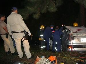 Bombeiros atenderam o acidente em Bocaina no Sul (Foto: PRF/Divulgação)