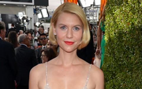 Claire Danes engana com 'falso curto' no Emmy. Aprenda a fazer o penteado