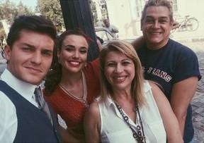 Klebber Toledo, Juliane Araújo e equipe (Foto: Reprodução / Instagram)