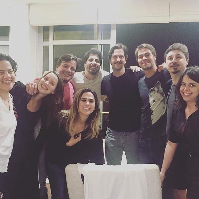 Tatá Werneck reunida com os amigos (Foto: Instagram/Reprodução)