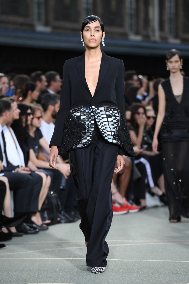Lea T no desfile da Givenchy, em Paris, na França (Foto: Getty Images)