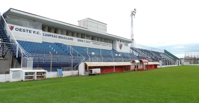 Estádio dos Amaros, Oeste, Itápolis (Foto: Sérgio Pais)