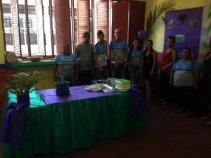 Alunos do EJA apresentaram projeto sobre o correto plantio do açaí (Foto: John Pacheco/G1)