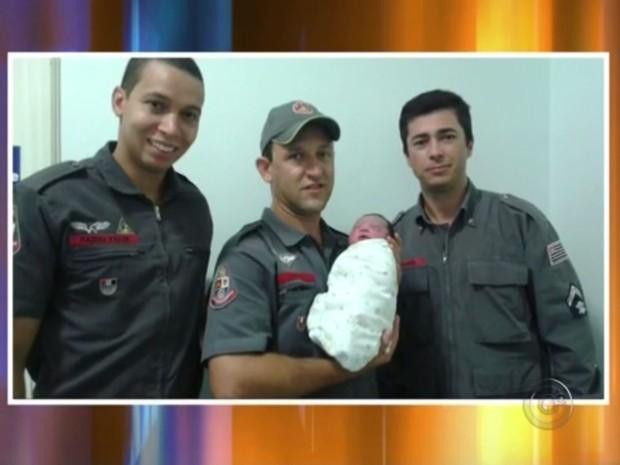 Parto foi feito por bombeiros em Catanduva (Foto: Reprodução/TV TEM)