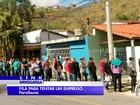 Candidatos lotam fila por 20 vagas de emprego em Paraibuna, SP