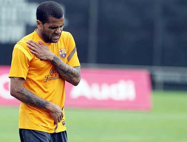 Daniel Alves, Clavicula, Treino (Foto: Reprodução / Site oficial do Barcelona)
