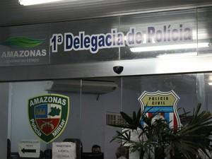 Caso foi registrado no 1º DIP (Foto: Marcos Dantas / G1)