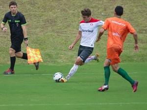 Cláudio Winck atuou bem contra o Camboriú (Foto: Alexandre Lops/Inter)