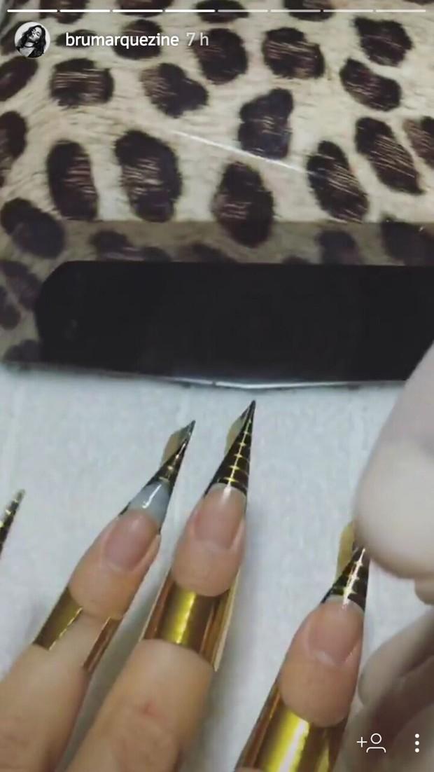 Detalhe das unhas de Bruna Marquezine para Baile da Vogue (Foto: Reprodução/Instagram)