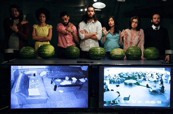 Sete atores discutem assuntos abordados na obra rodriguiana 'O Beijo no Asfalto' (Foto: Divulgação)