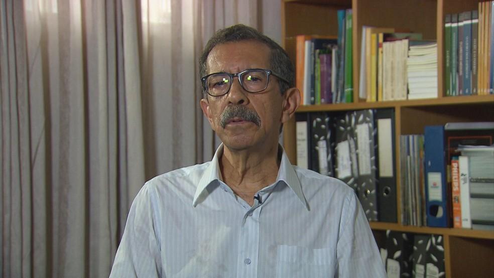 Edson Caldeira, de 68 anos, era presidente da Federação Espírita de Pernmabuco (Foto: Reprodução/TV Globo)
