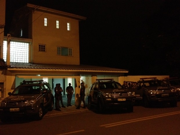 Cocaína foi encontrada em casa de alto padrão, em Arujá. (Foto: Jenifer Carpani/G1)