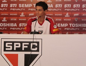 Ganso em entrevista coletiva no São Paulo (Foto: Carlos Augusto Ferrari)