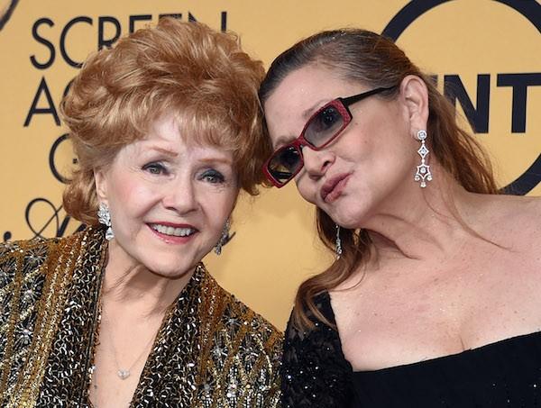 As atrizes Debbie Reynolds e Carrie Fisher, mãe e filha (Foto: Getty Images)