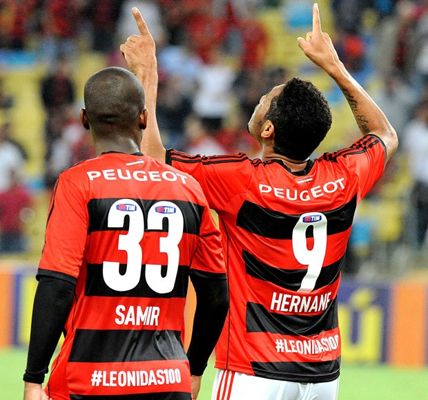 Hernane e Samir comemoração Flamengo Leônidas camisa (Foto: Alexandre Vidal / Fla Imagem)
