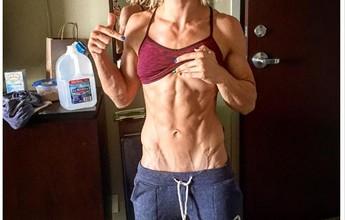 BLOG: Lutadora do UFC posta foto impressionante de barriga definida com veias saltadas